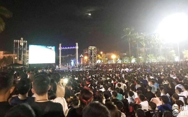 """Huyện miền núi Nghệ An lắp màn hình """"khủng"""" cổ vũ U22 Việt Nam đá chung kết"""
