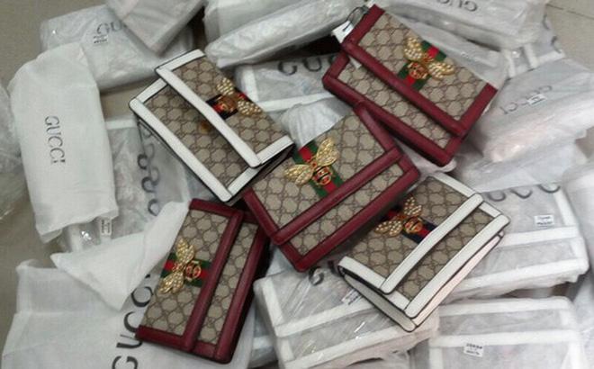 Thu giữ hàng trăm túi xách 'hàng hiệu' LV, Chanel, Gucci nghi giả mạo nhãn hiệu
