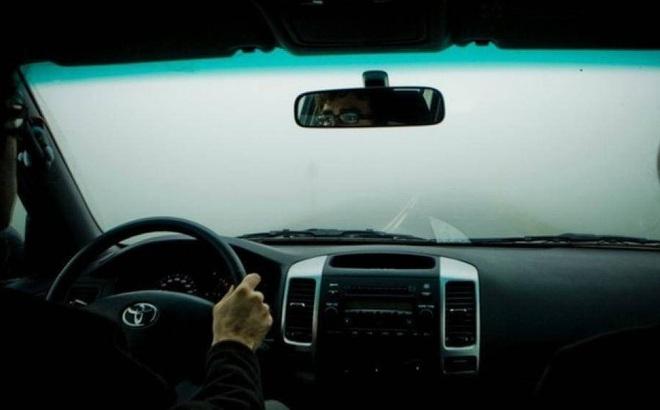 Những điều cần chú ý để đảm bảo an toàn khi lái xe trời lạnh