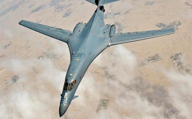 """Nga """"phát sốt"""" khi máy bay B-1B trở thành kho vũ khí di động của Mỹ"""