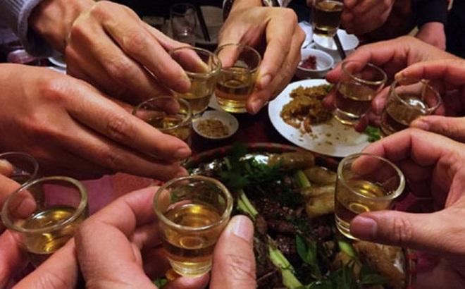 Ung thư và chuyện uống rượu bia: Những con số khiến dân nhậu giật mình thon thót, đàn ông hay phụ nữ cũng không ngoại lệ