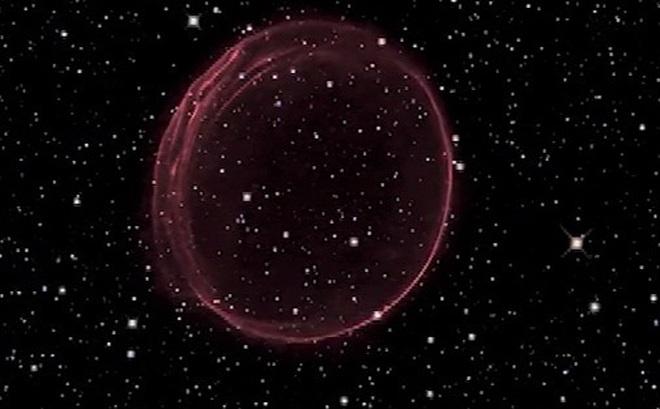 Phát hiện tinh vân khổng lồ ngoài vũ trụ giống quả châu trang trí dịp Giáng sinh