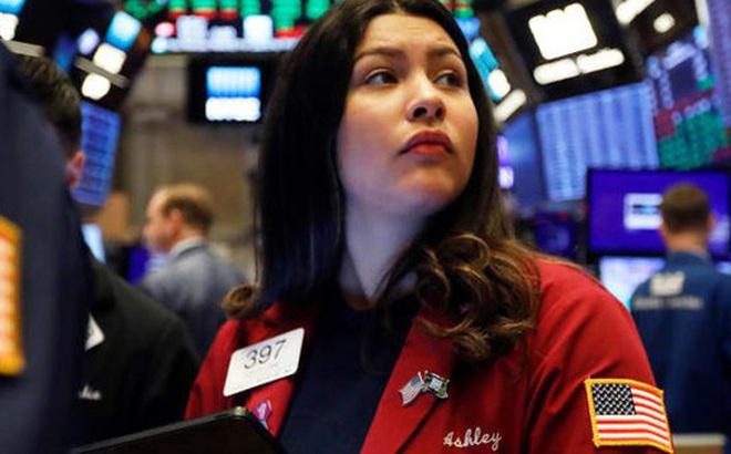 Giới đầu tư phớt lờ thông tin Tổng thống Trump bị luận tội, Phố Wall lại lập đỉnh, S&P 500 lần đầu tiên vượt qua mốc 3.200 điểm