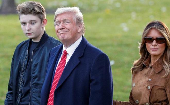 Tổng thống Mỹ chỉ nói đúng một câu về quý tử Barron Trump nhưng cũng đủ khiến người dùng mạng phát cuồng