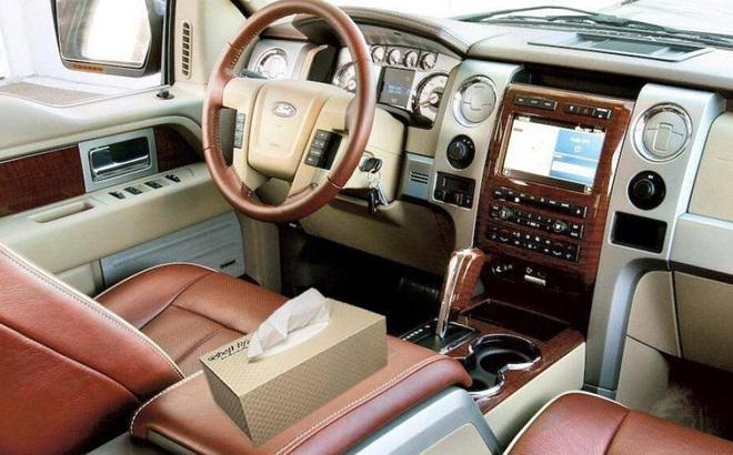 Một số mẹo đơn giản làm sạch nội thất xe ô tô