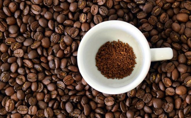 Bloomberg: Ngành cà phê Việt Nam tham vọng tăng gấp đôi giá trị xuất khẩu lên 6 tỷ USD, đẩy mạnh cà phê hòa tan cạnh tranh với ông lớn Nestle