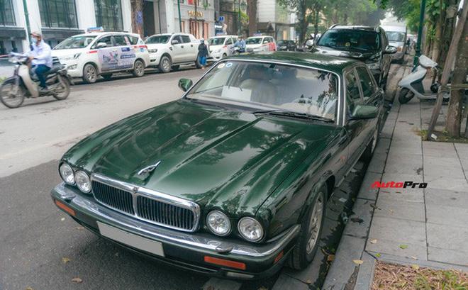 Jaguar XJ hơn 25 năm tuổi siêu hiếm xuất hiện tại Hà Nội, tình trạng xe khiến nhiều người ngạc nhiên