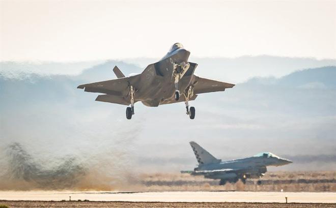 CẬP NHẬT: 750 lính dù Mỹ được không vận tới Trung Đông, Thổ quyết chiến ở Idlib, trực thăng Apache quần đảo ở Iraq - Ảnh 25.