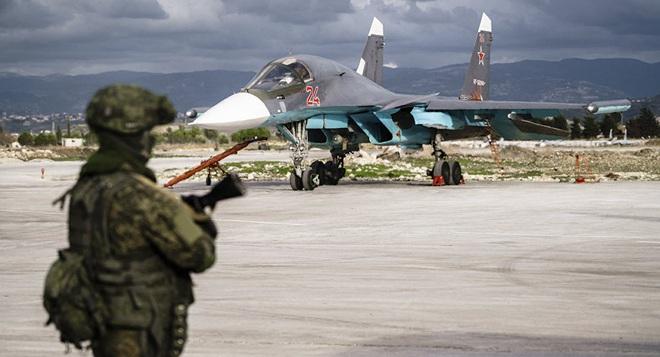 CẬP NHẬT: 750 lính dù Mỹ được không vận tới Trung Đông, Thổ quyết chiến ở Idlib, trực thăng Apache quần đảo ở Iraq - Ảnh 6.