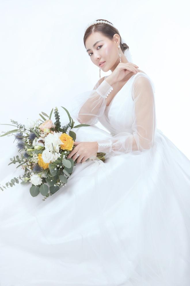 Diễn viên Thanh Hương xinh đẹp lộng lẫy trong lần thứ 2 mặc váy cưới - Ảnh 7.