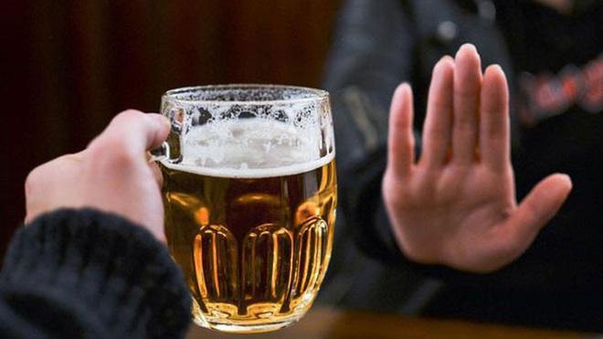Từ 1/1/2020: Cấm uống rượu bia khi lái xe, tăng lương tối thiểu vùng - Ảnh 1.