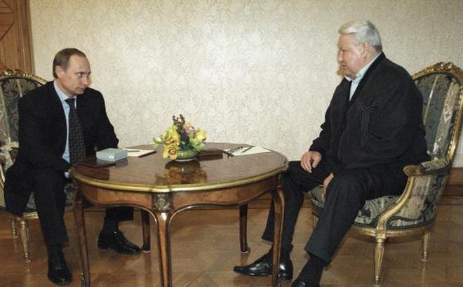 'Tôi sẽ rời đi, xin lỗi các bạn!': Đây là cách ông Yeltsin từ chức cách đây 20 năm