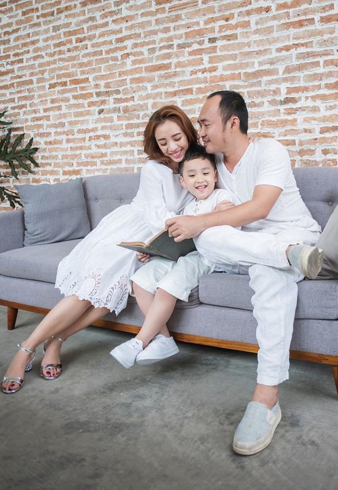 Sao Việt đồng loạt khoe ảnh lột xác ngoạn mục trong 10 năm - Ảnh 12.