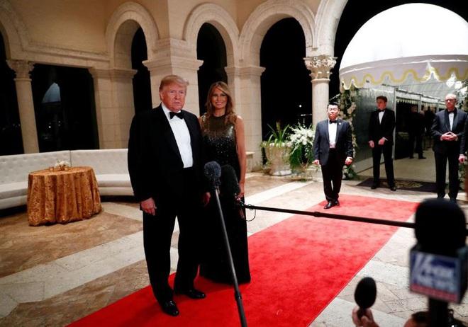 Donald Trump mắc COVID-19: Bác sĩ lo ngại 2 yếu tố khiến Tổng thống Mỹ có nguy cơ gặp biến chứng nặng - Ảnh 2.
