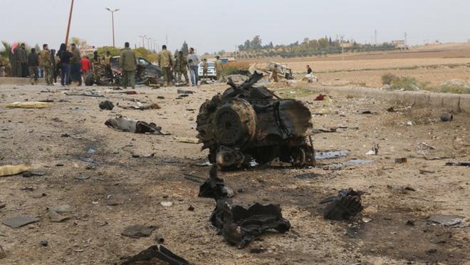 CẬP NHẬT: 750 lính dù Mỹ được không vận tới Trung Đông, Thổ quyết chiến ở Idlib, trực thăng Apache quần đảo ở Iraq - Ảnh 12.