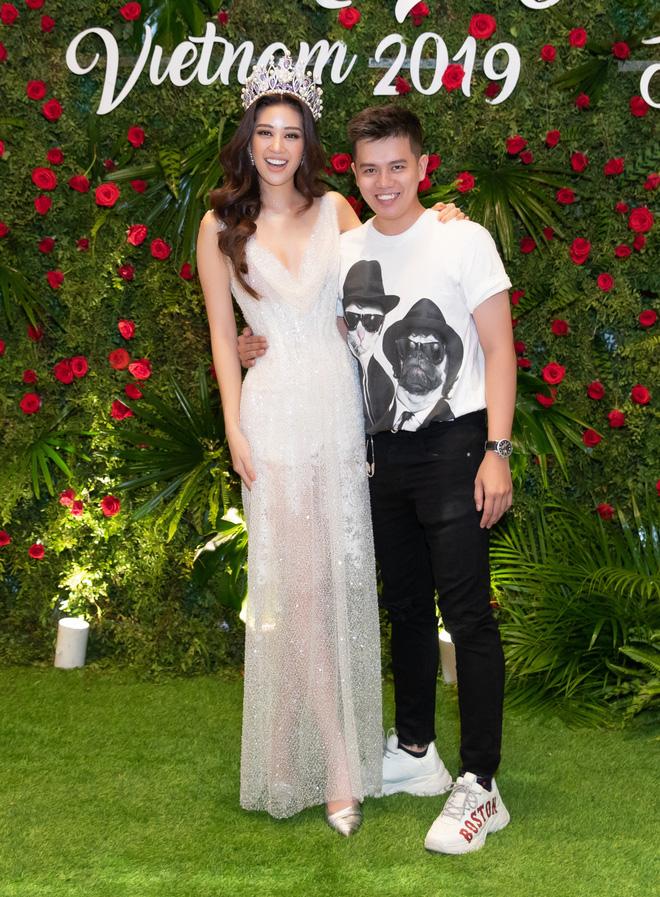 Hoa hậu Khánh Vân khoe vóc dáng gợi cảm khi diện đầm của NTK Lâm Lâm - Ảnh 2.