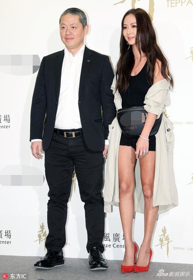 Nữ thừa kế giàu có khét tiếng Đài Loan: Cả cha mẹ đều là tỷ phú, 41 tuổi vẫn quyến rũ khó tin - Ảnh 1.