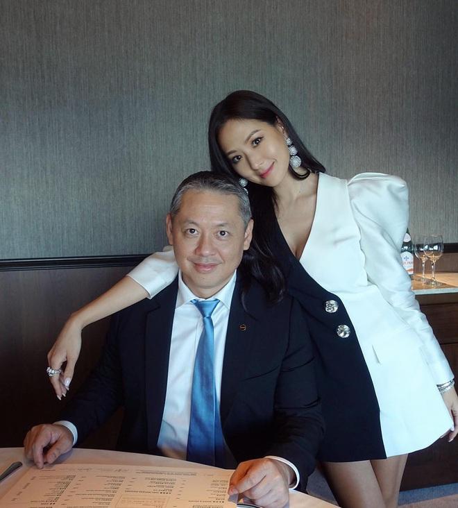 Nữ thừa kế giàu có khét tiếng Đài Loan: Cả cha mẹ đều là tỷ phú, 41 tuổi vẫn quyến rũ khó tin - Ảnh 9.