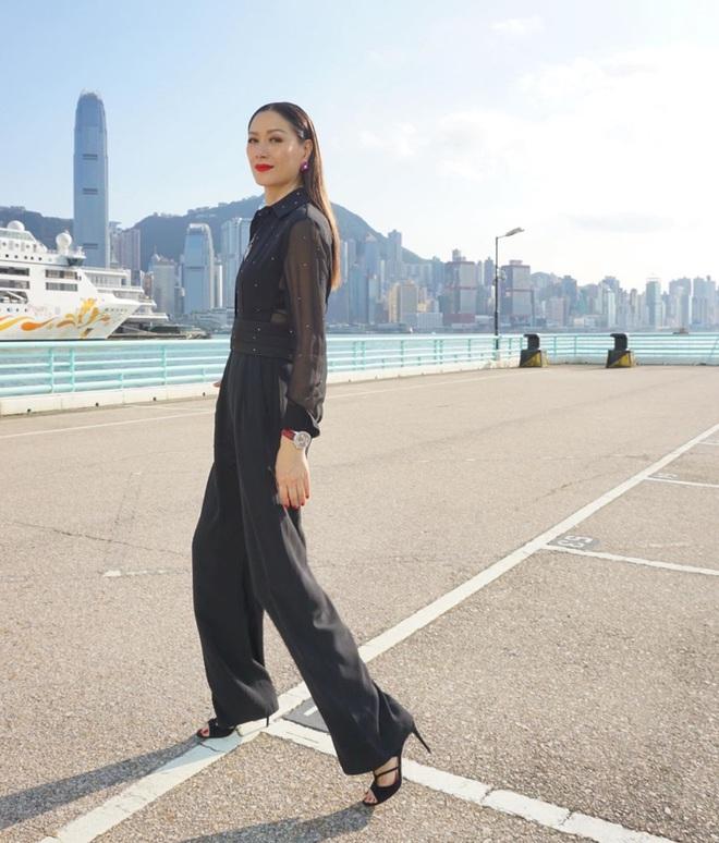 Nhan sắc vợ siêu mẫu nổi tiếng, cao 1m80 được trùm phim xã hội đen yêu chiều, kính nể - Ảnh 20.