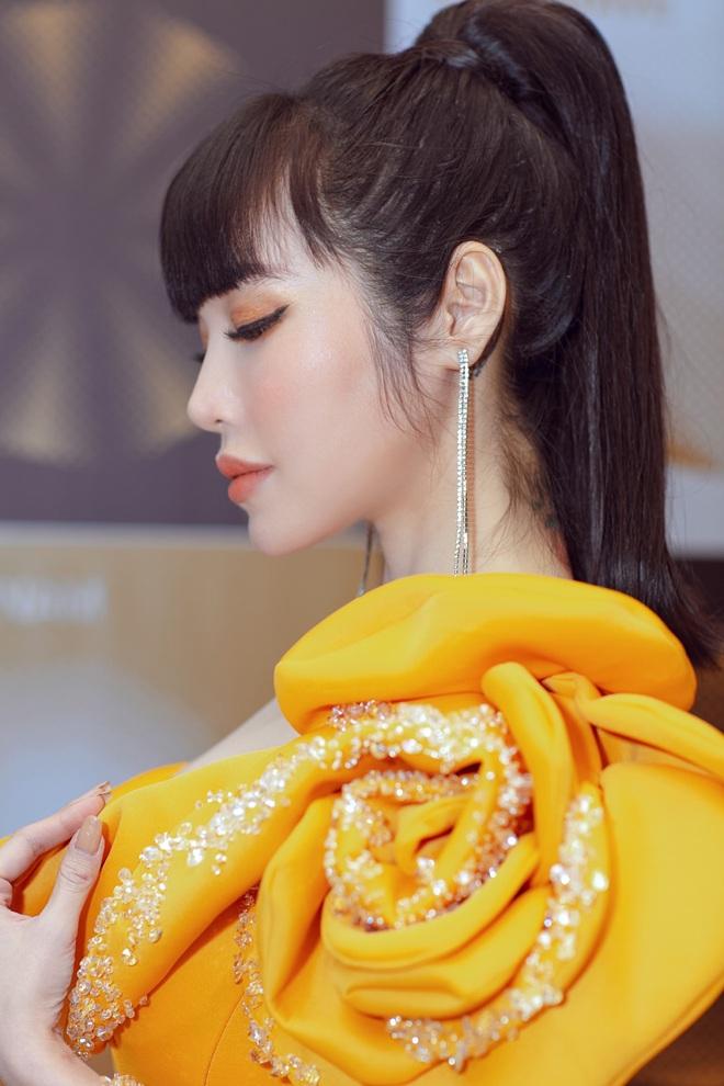 Elly Trần lên tiếng về việc sụt cân, hốc hác thấy rõ - Ảnh 14.