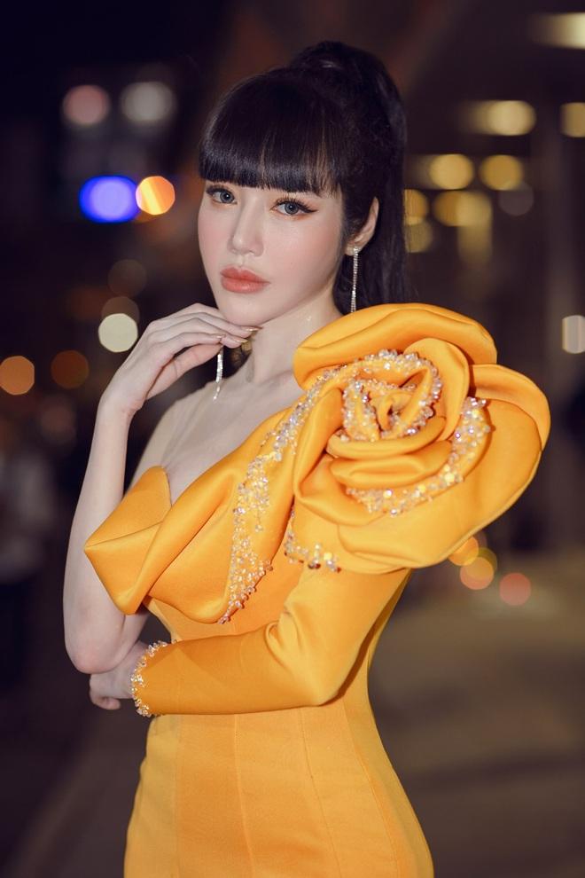 Elly Trần lên tiếng về việc sụt cân, hốc hác thấy rõ - Ảnh 7.