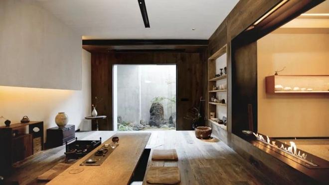 Cặp vợ chồng trẻ cải tạo căn nhà ngoại ô rộng 150m² đã xây cách đây 20 năm thành không gian góc nào cũng đẹp đến cực độ - Ảnh 2.