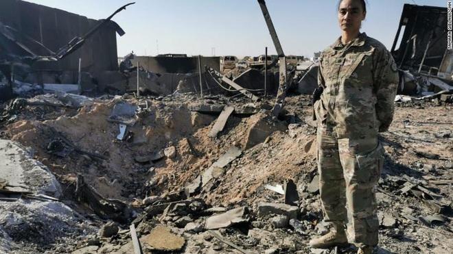 Binh sĩ Mỹ lần đầu tiết lộ phép màu trong vụ Iran trả đũa: Tên lửa rơi xuống chỉ cách nơi trú ẩn vài mét - Ảnh 1.
