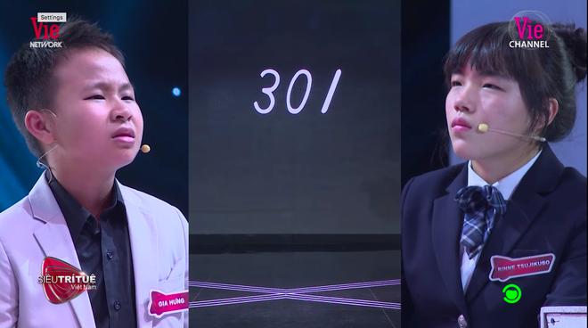 Siêu trí tuệ: Đấu với cậu bé 12 tuổi Việt Nam, thần đồng tính nhanh Nhật Bản bật khóc, tạm dừng chương trình ít phút - Ảnh 2.