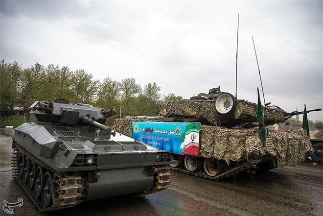 Báo Nga: Iran tập trận bằng xe tăng vỏ Anh, ruột Nga có sức mạnh tương đương T-90A? - Ảnh 9.