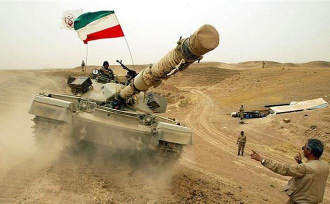 """Báo Nga: Iran tập trận bằng xe tăng """"vỏ Anh, ruột Nga"""" có sức mạnh tương đương T-90A?"""