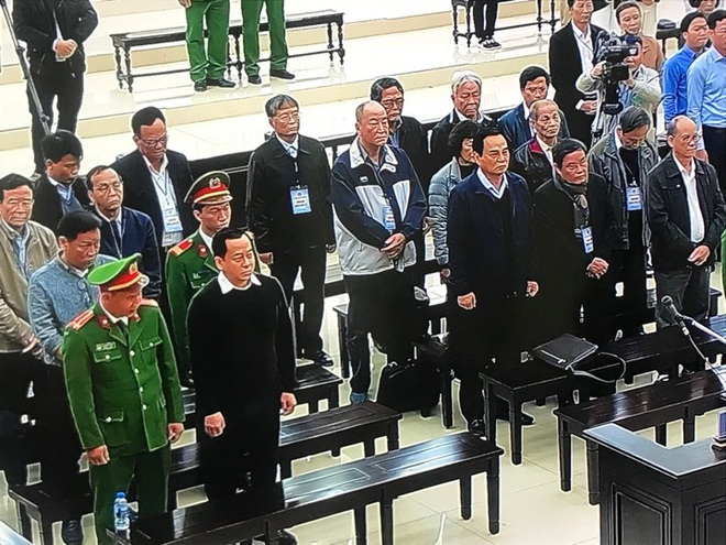 Phan Văn Anh Vũ bị tuyên 25 năm tù,  2 cựu Chủ tịch Đà Nẵng lĩnh 12 và 17 năm tù - Ảnh 7.