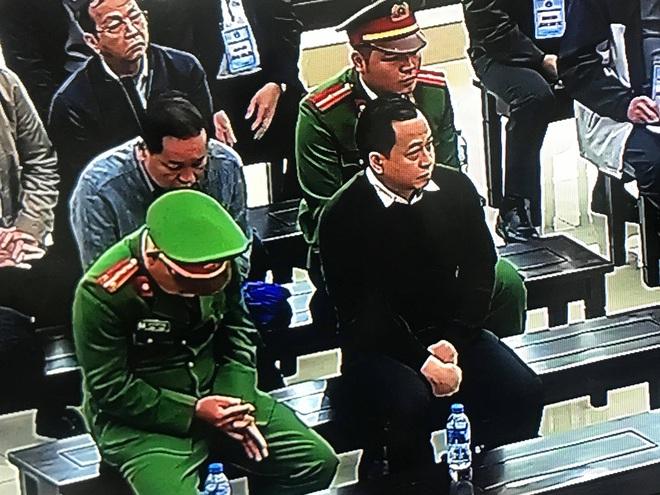 Phan Văn Anh Vũ bị tuyên 25 năm tù,  2 cựu Chủ tịch Đà Nẵng lĩnh 12 và 17 năm tù - Ảnh 5.