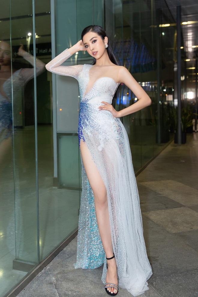 Hoa hậu Lương Thùy Linh vấp ngã trên thảm đỏ - Ảnh 8.