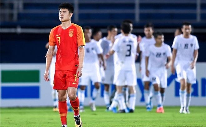"""BLV Trung Quốc lại đem Việt Nam ra bỉ bôi đội nhà, hiến kế """"cười rơi răng"""" cho bóng đá TQ"""