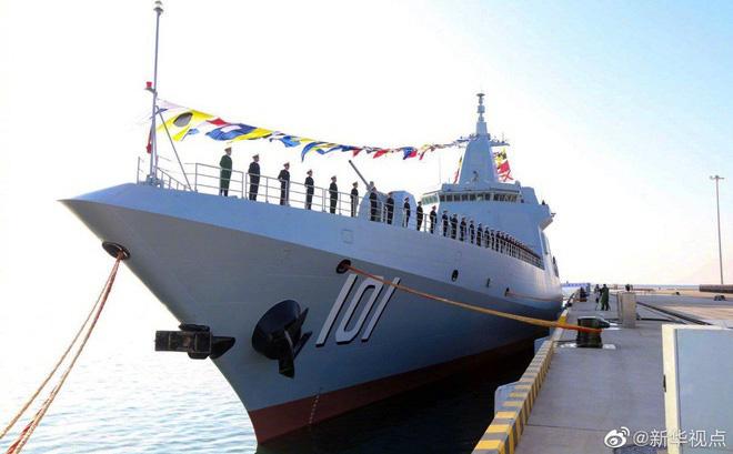 Trung Quốc vừa biên chế tàu khu trục thuộc hàng mạnh nhất TG: Chuyên gia đánh giá mức độ đe dọa với láng giềng