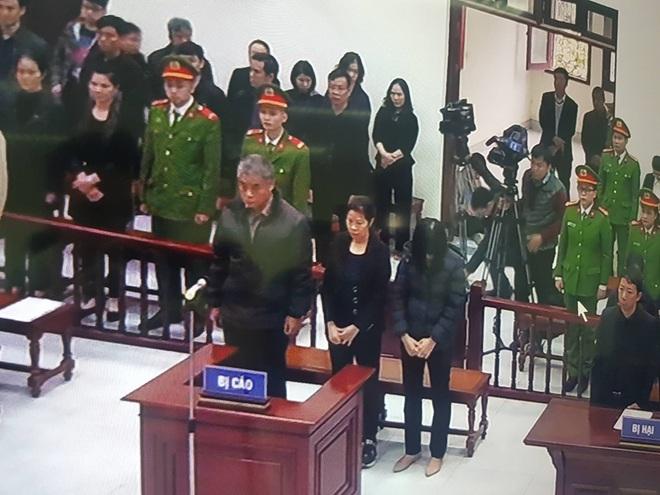 Tuyên án vụ nam sinh trường Gateway tử vong trên xe đưa đón: Tài xế Doãn Quý Phiến 15 tháng tù, Nguyễn Bích Quy 24 tháng tù - Ảnh 3.
