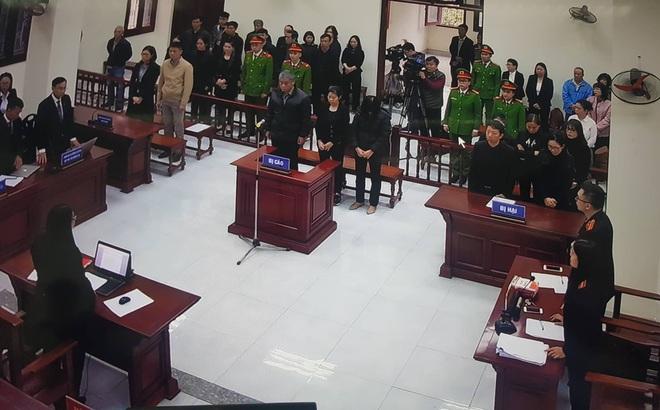 Tuyên án vụ nam sinh trường Gateway tử vong trên xe đưa đón: Tài xế Doãn Quý Phiến 15 tháng tù, Nguyễn Bích Quy 24 tháng tù