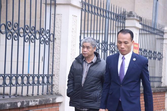 Tuyên án vụ nam sinh trường Gateway tử vong trên xe đưa đón: Tài xế Doãn Quý Phiến 15 tháng tù, Nguyễn Bích Quy 24 tháng tù - Ảnh 5.