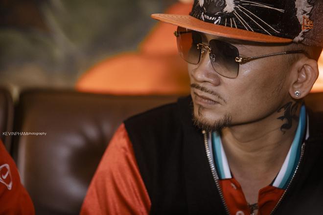 Tuấn Hưng thân thiết với vua Poker thế giới Quí Nguyễn - Ảnh 8.