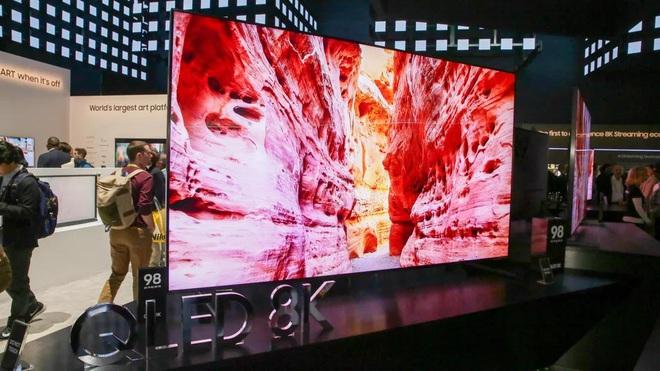 Lại thêm người Việt mua chiếc TV 8K 2 tỷ, chỉ cần nhìn qua là biết độ giàu có tới cỡ nào - Ảnh 1.