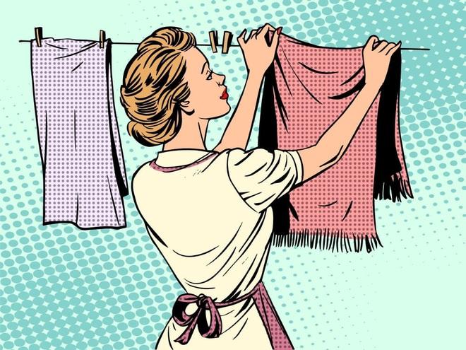 5 cách làm khô quần áo mà không bị bám mùi ẩm mốc khó chịu trong tiết trời ẩm ương - Ảnh 1.