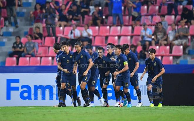 """U23 Thái Lan vào tứ kết, CĐV châu Á gọi tên U23 Việt Nam: """"Để xem họ đi tiếp bằng cách nào?"""""""