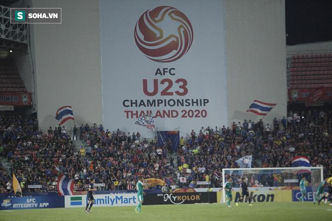 U23 Thái Lan ăn mừng cực sung, tri ân nhóm CĐV đặc biệt sau tấm vé lịch sử ở U23 châu Á - Ảnh 2.