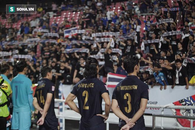 U23 Thái Lan ăn mừng cực sung, tri ân nhóm CĐV đặc biệt sau tấm vé lịch sử ở U23 châu Á - Ảnh 9.