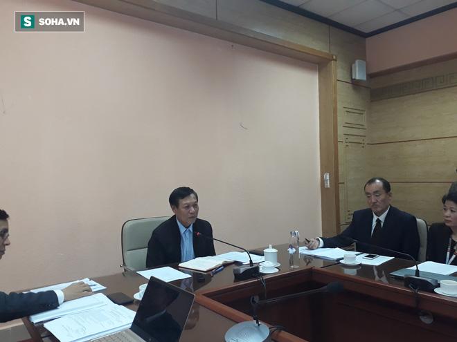 2 bệnh nhân nghi ngờ viêm phổi cấp Trung Quốc tới Việt Nam: Bộ Y tế họp khẩn - Ảnh 1.