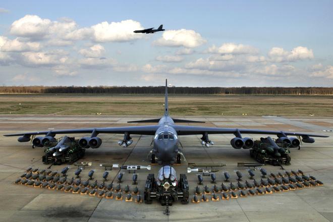 """Bị """"lột sạch"""" bom hạt nhân, siêu pháo đài bay B-52 của Mỹ liệu chỉ còn cái tên? - Ảnh 1."""