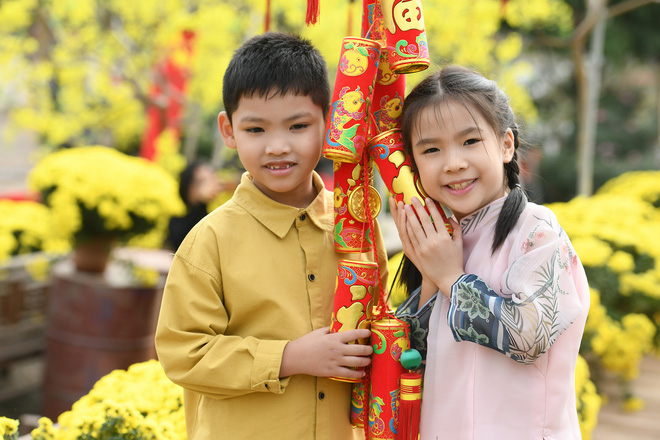 Phương Thảo làm vợ Tiến Lộc trong MV mới - Ảnh 3.