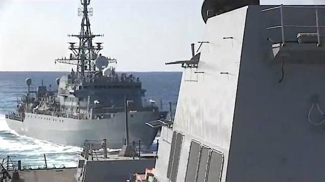 [ẢNH] Tàu trinh sát điện tử Nga giúp Iran chặn đứng cuộc tấn công trả đũa của Mỹ? - Ảnh 10.