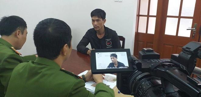 Nóng: Bắt nghi phạm ép xe chém tới tấp người phụ nữ đang chở con gái ở Thái Nguyên - Ảnh 1.