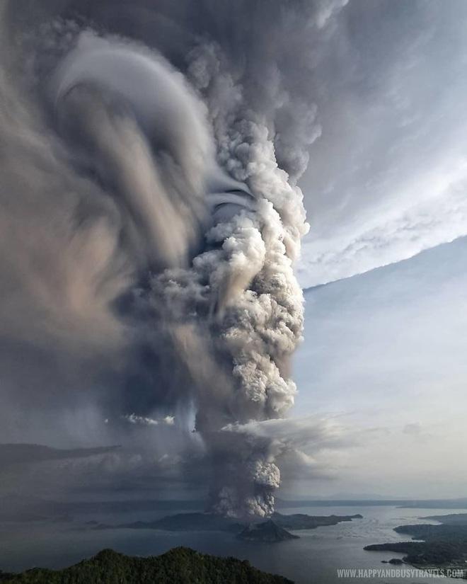 Loạt ảnh ấn tượng về núi lửa phun trào ở Philippines: Rất hùng vĩ nhưng cũng vô cùng khủng khiếp - Ảnh 7.